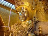 Asisbiz Mahamuni Buddha Maha Myat Muni Paya Dec 2000 07
