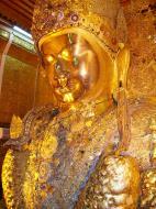 Asisbiz Mahamuni Buddha Maha Myat Muni Paya Nov 2004 06