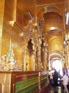 Asisbiz Mahamuni Buddha Maha Myat Muni Paya Nov 2004 16