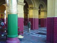 Asisbiz Mandalay Maha Myat Muni pagoda Decor Dec 2000 01