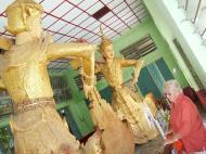 Asisbiz Mandalay Maha Myat Muni pagoda Decor Nov 2004 04