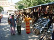 Asisbiz Mandalay Maha Myat Muni pagoda arts and crafts Dec 2000 04
