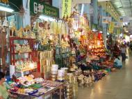 Asisbiz Mandalay Maha Myat Muni pagoda arts and crafts Nov 2004 04