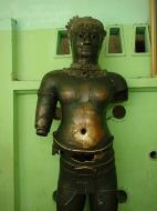 Asisbiz Miraculous healing statues Maha Muni Shrine Dec 2000 01