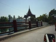 Asisbiz 20001224 Mandalay Mandalay Fort Dec 2000 01