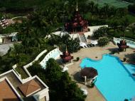 Asisbiz Mandalay Hill Hotel five star swimming pool Nov 2004 03