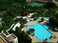 Asisbiz Mandalay Hill Hotel three star swimming pool Nov 2004 01