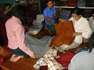 Asisbiz Driving to Pagan buying fabrics Dec 2000 01