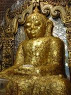 Asisbiz Driving to Pagan various famous Buddhas Dec 2000 01