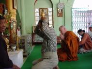 Asisbiz Driving to Pagan various famous Buddhas Dec 2000 06