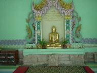 Asisbiz Driving to Pagan various famous Buddhas Dec 2000 09