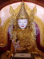 Asisbiz Driving to Pagan various famous Buddhas Dec 2000 14