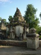 Asisbiz Driving to Pagan various pagodas Dec 2000 03