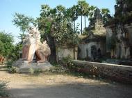 Asisbiz Driving to Pagan various pagodas Dec 2000 05