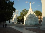 Asisbiz Driving to Pagan various pagodas Dec 2000 09