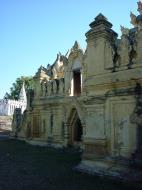 Asisbiz Driving to Pagan various pagodas Dec 2000 19