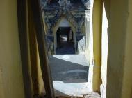 Asisbiz Driving to Pagan various pagodas Dec 2000 21
