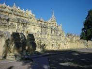 Asisbiz Driving to Pagan various pagodas Dec 2000 24