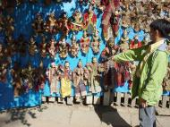 Asisbiz Mandalay Shwe Kyaung Arts and Crafts Dec 2000 03