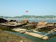 Asisbiz Mandalay river craft Nov 2004 03