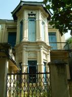 Asisbiz Mandalay style home Nov 2004 01
