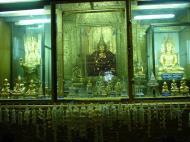 Asisbiz Mandalay various buddhas Dec 2000 01