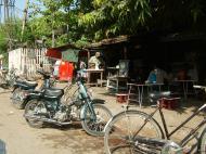 Asisbiz Typical Mandalay motor bike Nov 2004 01