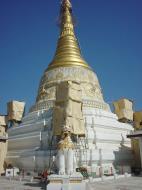 Asisbiz Mandalay Meiktila main pagoda Dec 2000 02