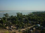 Asisbiz Mingun Pagoda views of the Ayeyarwaddy river Dec 2000 02