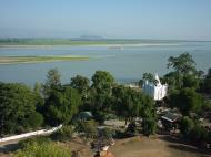 Asisbiz Mingun Pagoda views of the Ayeyarwaddy river Dec 2000 03