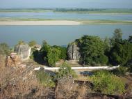 Asisbiz Mingun Pagoda views of the Ayeyarwaddy river Dec 2000 05