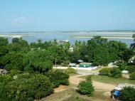Asisbiz Mingun Pagoda views of the Ayeyarwaddy river Nov 2004 02