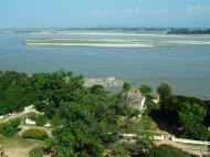 Asisbiz Mingun Pagoda views of the Ayeyarwaddy river Nov 2004 12