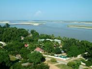 Asisbiz Mingun Pagoda views of the Ayeyarwaddy river Nov 2004 16