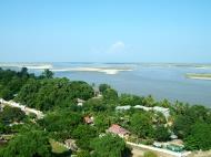 Asisbiz Mingun Pagoda views of the Ayeyarwaddy river Nov 2004 17