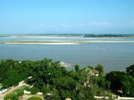 Asisbiz Mingun Pagoda views of the Ayeyarwaddy river Nov 2004 24