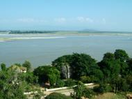 Asisbiz Mingun Pagoda views of the Ayeyarwaddy river Nov 2004 26