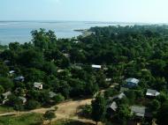 Asisbiz Mingun Pagoda views of the Ayeyarwaddy river Nov 2004 33