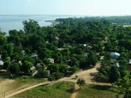 Asisbiz Mingun Pagoda views of the Ayeyarwaddy river Nov 2004 36
