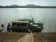 Asisbiz Monywa Chindwin river Cruise Dec 2000 01