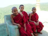Asisbiz Mandalay Mount Popa Buddhist Novice monks Nov 2004 01