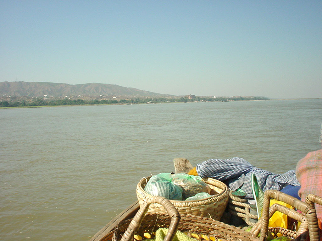 Mandalay to Mingun and back along Ayeyarwaddy river Dec 2000 07