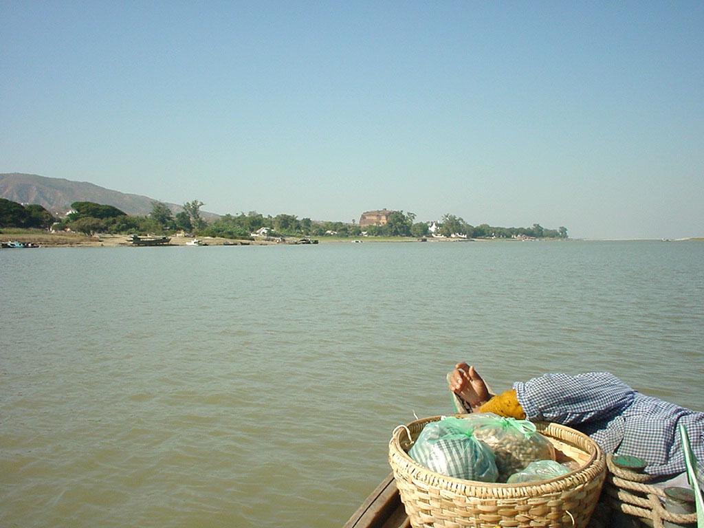 Mandalay to Mingun and back along Ayeyarwaddy river Dec 2000 08