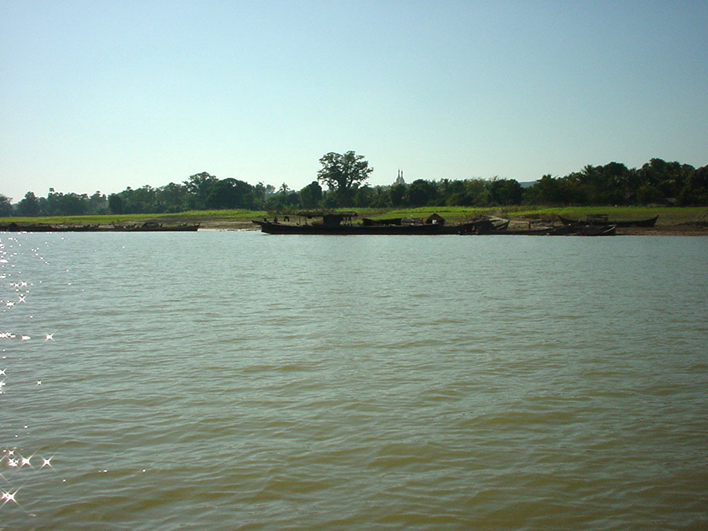 Mandalay to Mingun and back along Ayeyarwaddy river Dec 2000 10