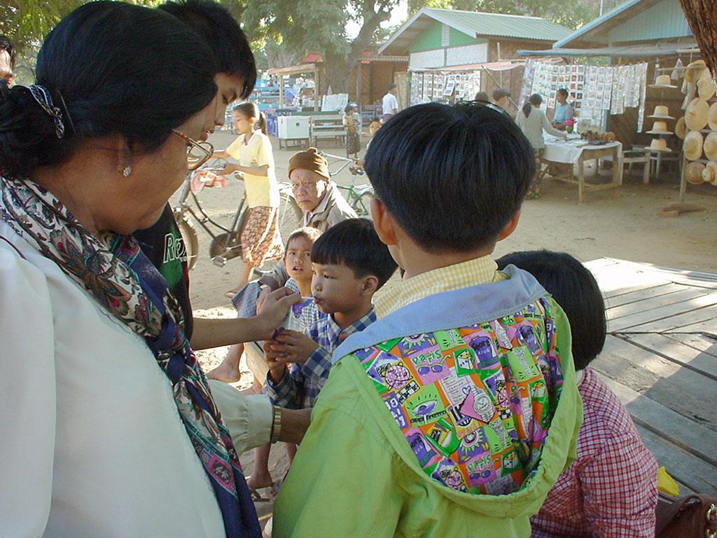 Mandalay to Mingun and back along Ayeyarwaddy river Dec 2000 21