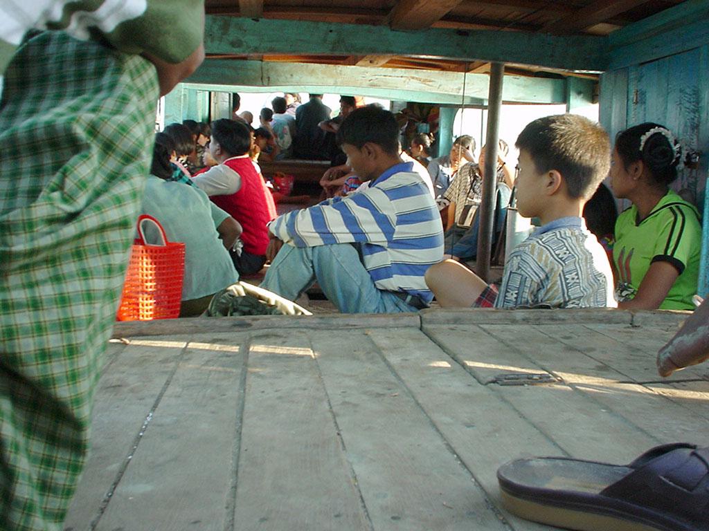 Mandalay to Mingun and back along Ayeyarwaddy river Dec 2000 29