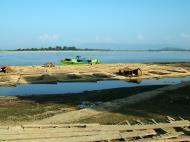 Asisbiz Harvested Bamboo on its way market via the Ayeyarwaddy river 01