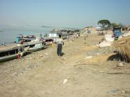 Asisbiz Mandalay to Mingun and back along Ayeyarwaddy river Dec 2000 01