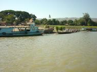 Asisbiz Mandalay to Mingun and back along Ayeyarwaddy river Dec 2000 12
