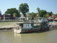 Asisbiz Mandalay to Mingun and back along Ayeyarwaddy river Dec 2000 20